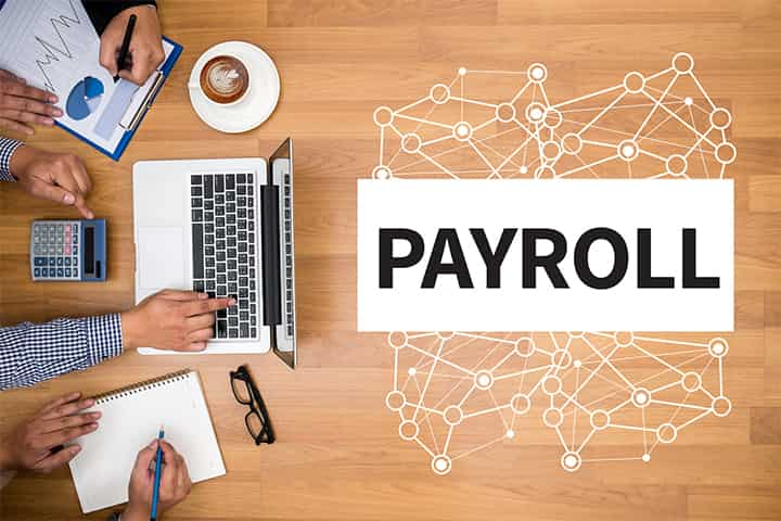 Thinking About Outsourcing Payroll? Check Out These Pros and Cons First